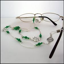 Making a beaded eyeglass chain crafts for seniors for Arts and crafts for seniors