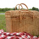 What to Pack in a Picnic Basket?